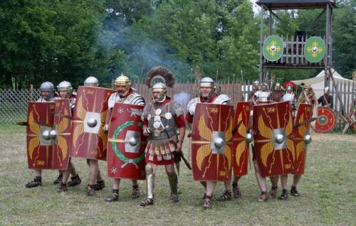 Roman_Legionaries_Advancing